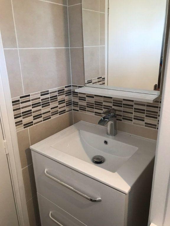 Appartement à louer 4 95.9m2 à Reims vignette-15
