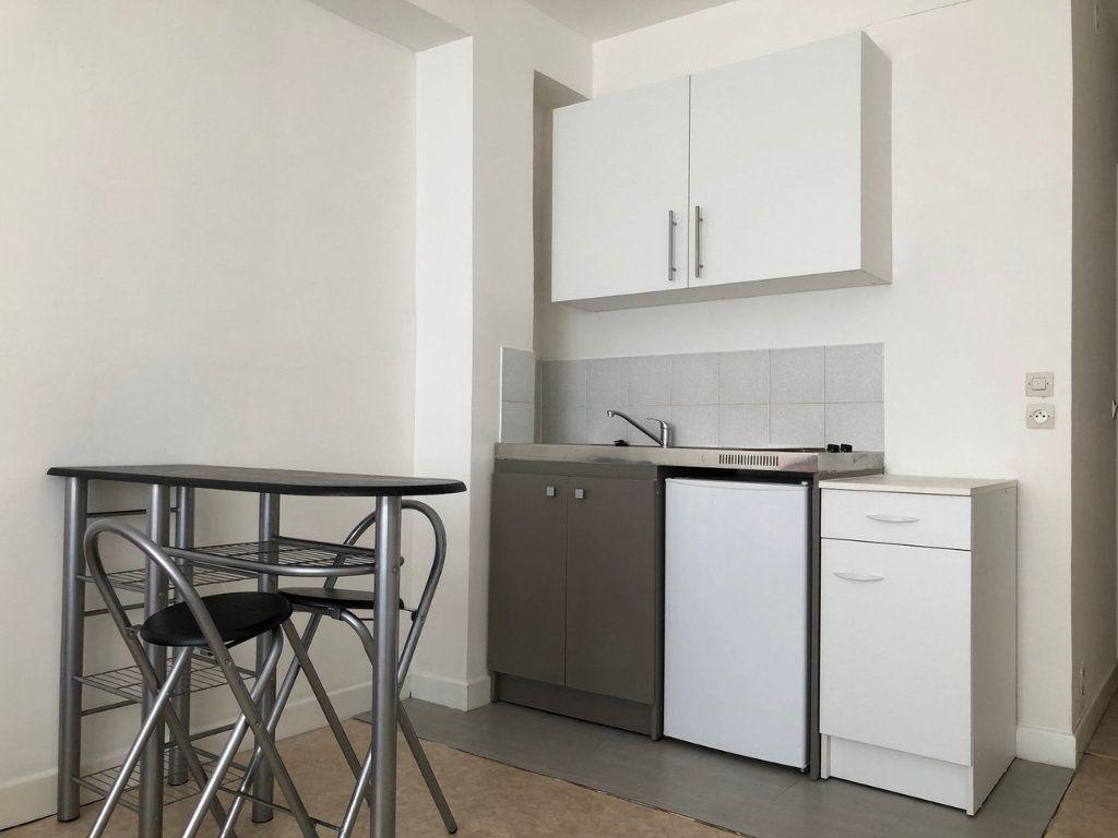 Appartement à louer 1 22.49m2 à Reims vignette-2