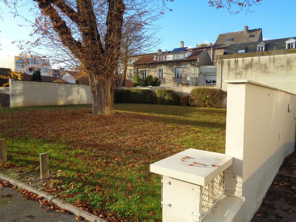 Appartement à louer 1 21m2 à Reims vignette-3