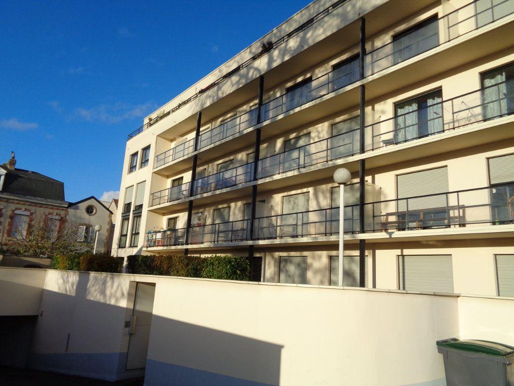 Appartement à louer 1 21m2 à Reims vignette-8
