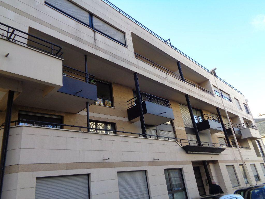 Appartement à louer 1 21m2 à Reims vignette-9