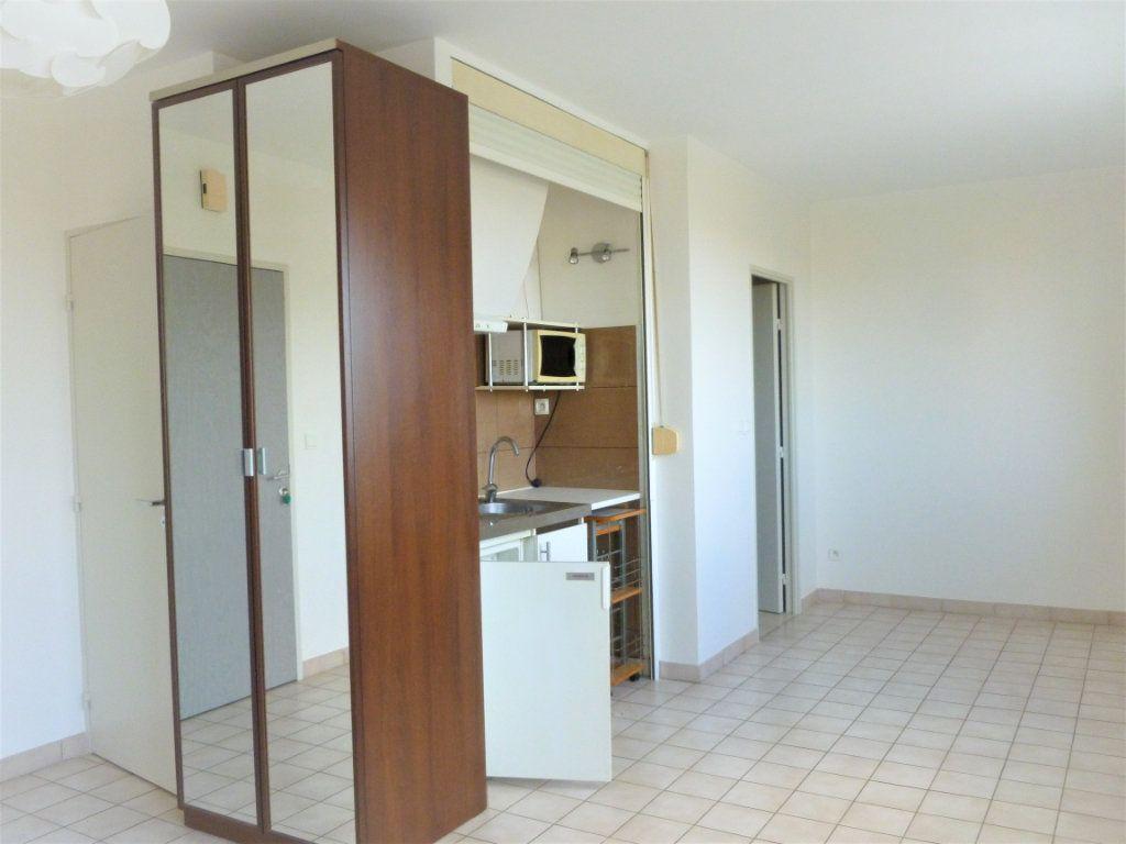 Appartement à louer 1 26.22m2 à Reims vignette-7