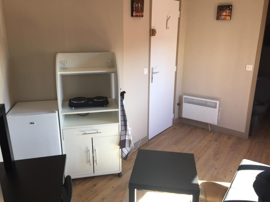 Appartement à louer 1 10m2 à Reims vignette-2