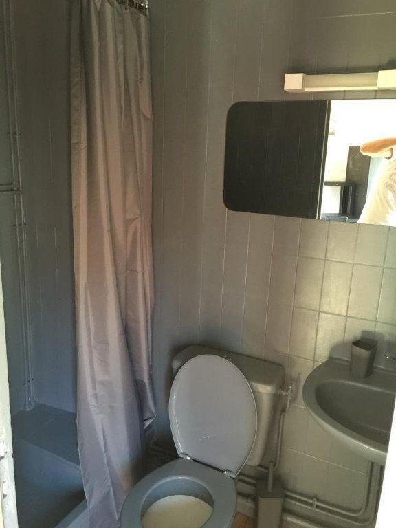 Appartement à louer 1 10m2 à Reims vignette-4