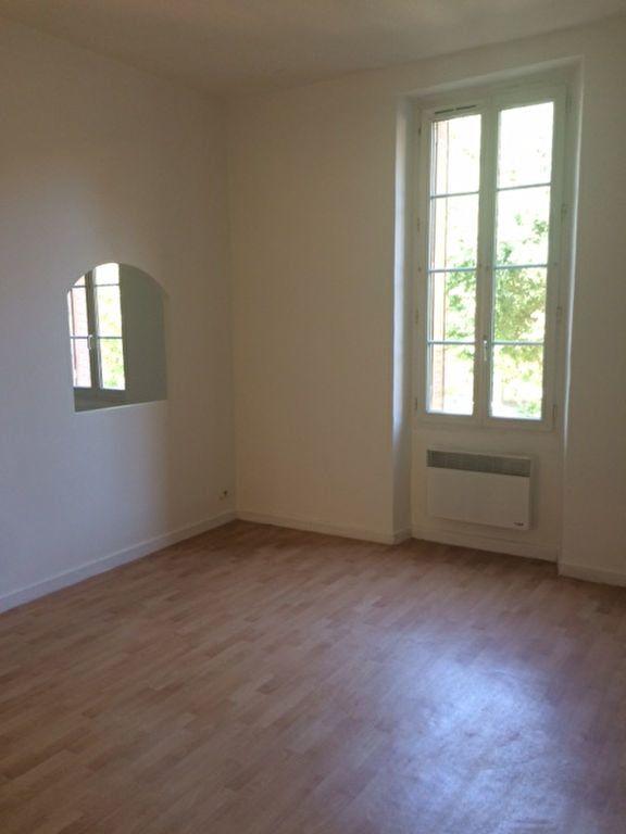 Appartement à louer 3 68m2 à Toulon vignette-1