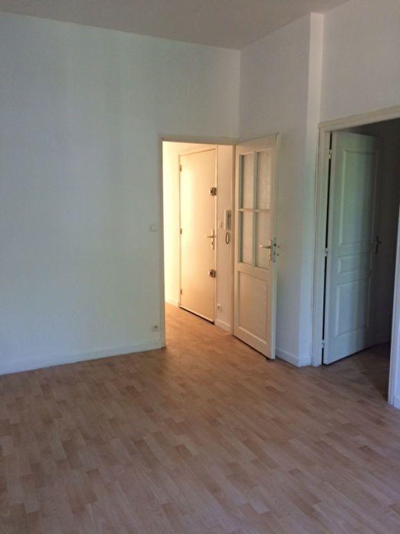 Appartement à louer 3 68m2 à Toulon vignette-4