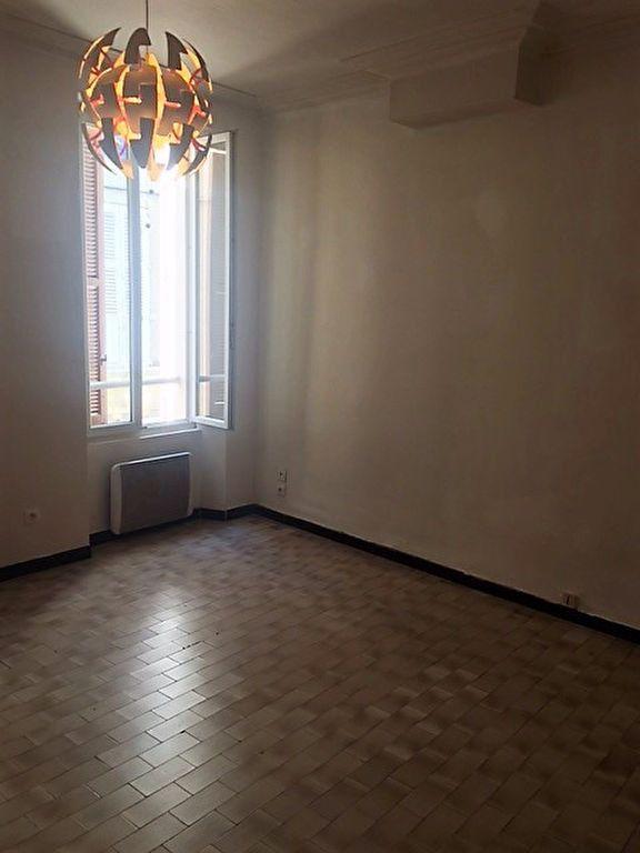 Appartement à louer 1 28m2 à La Seyne-sur-Mer vignette-1