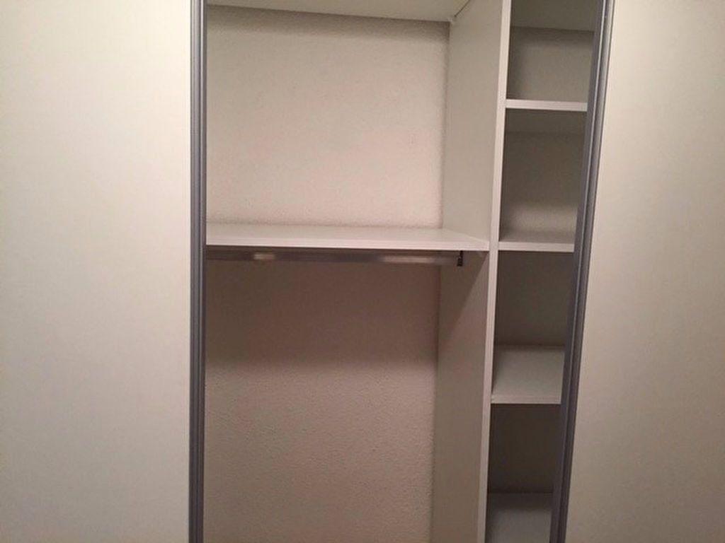 Appartement à louer 1 26.4m2 à Saint-Mandrier-sur-Mer vignette-6
