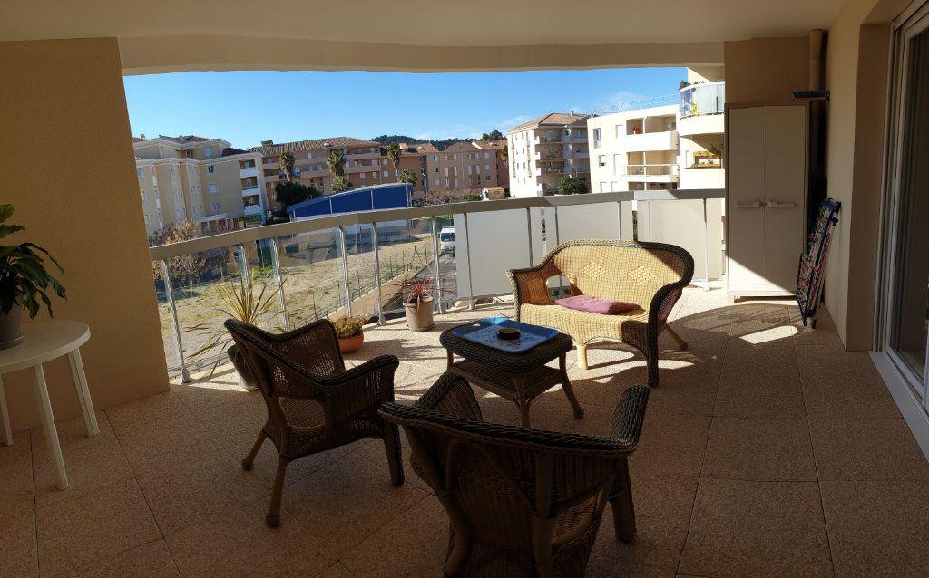 Appartement à vendre 3 59m2 à La Seyne-sur-Mer vignette-5