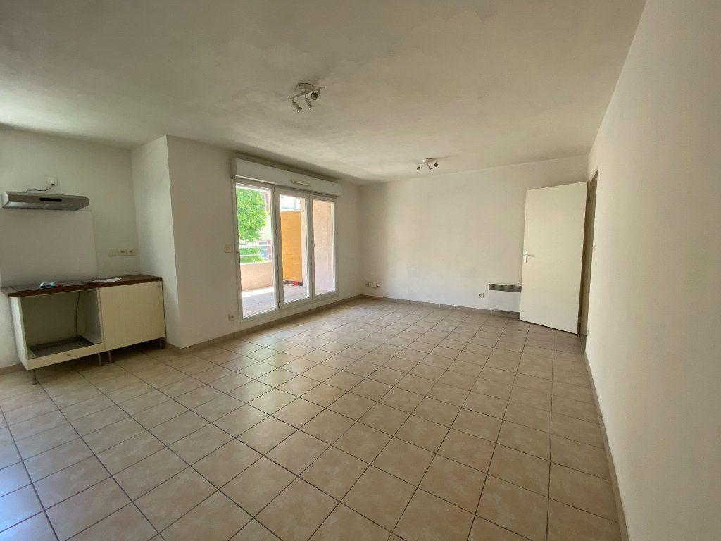 Appartement à vendre 4 72m2 à La Seyne-sur-Mer vignette-3