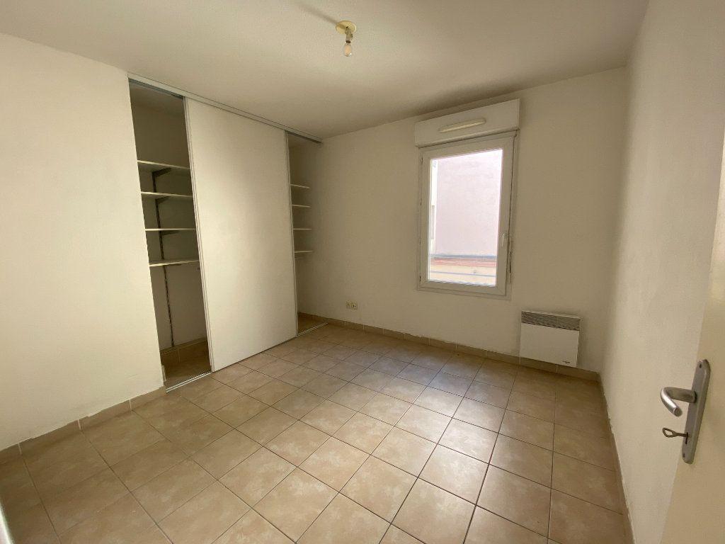 Appartement à vendre 4 72m2 à La Seyne-sur-Mer vignette-4