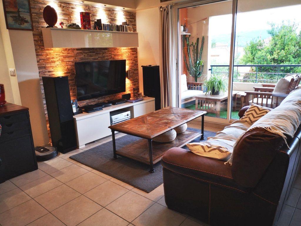 Appartement à vendre 3 58m2 à La Seyne-sur-Mer vignette-2