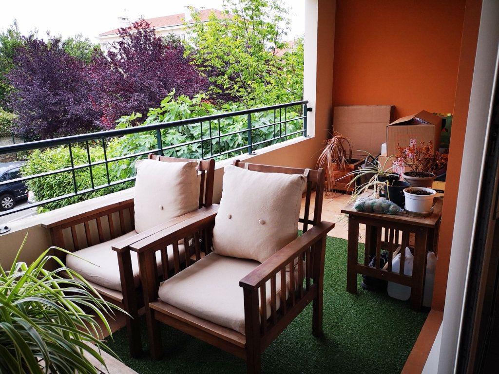 Appartement à vendre 3 58m2 à La Seyne-sur-Mer vignette-3