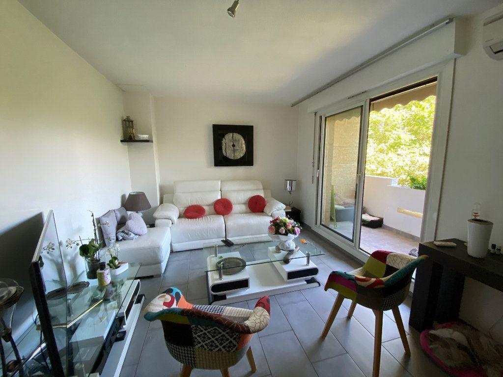 Appartement à vendre 4 77m2 à Six-Fours-les-Plages vignette-2