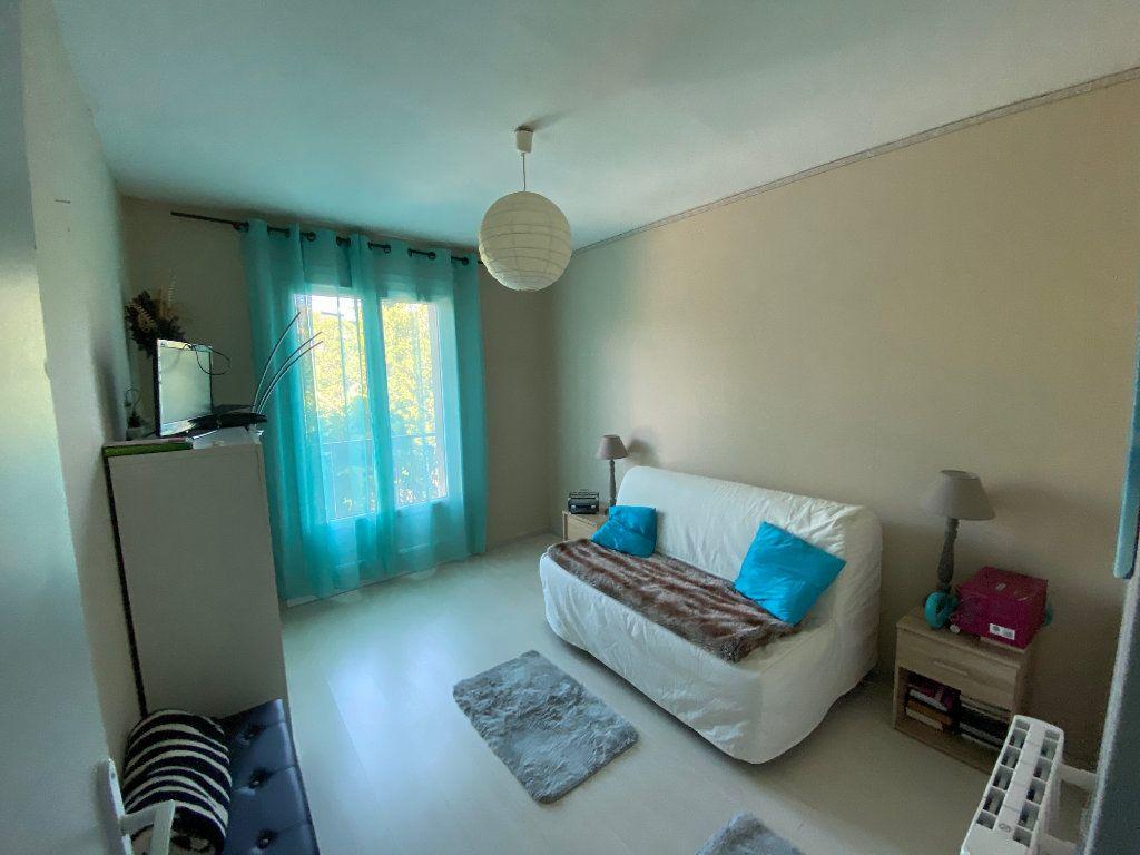 Appartement à vendre 4 77m2 à Six-Fours-les-Plages vignette-6
