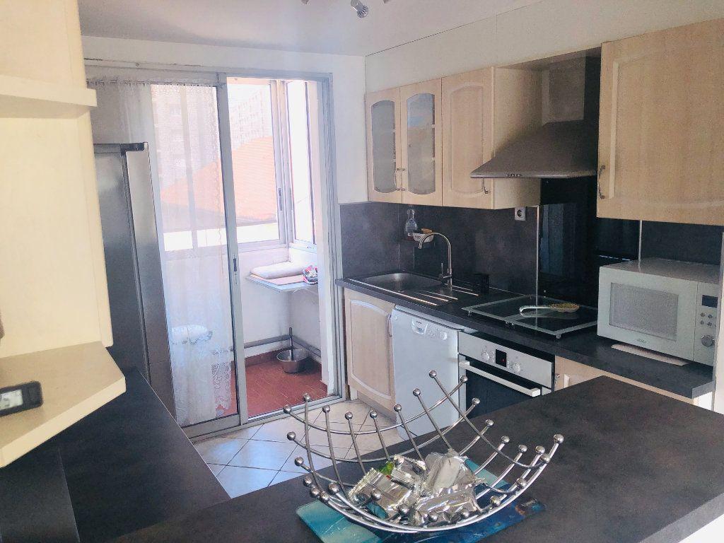 Appartement à vendre 4 64m2 à La Seyne-sur-Mer vignette-3