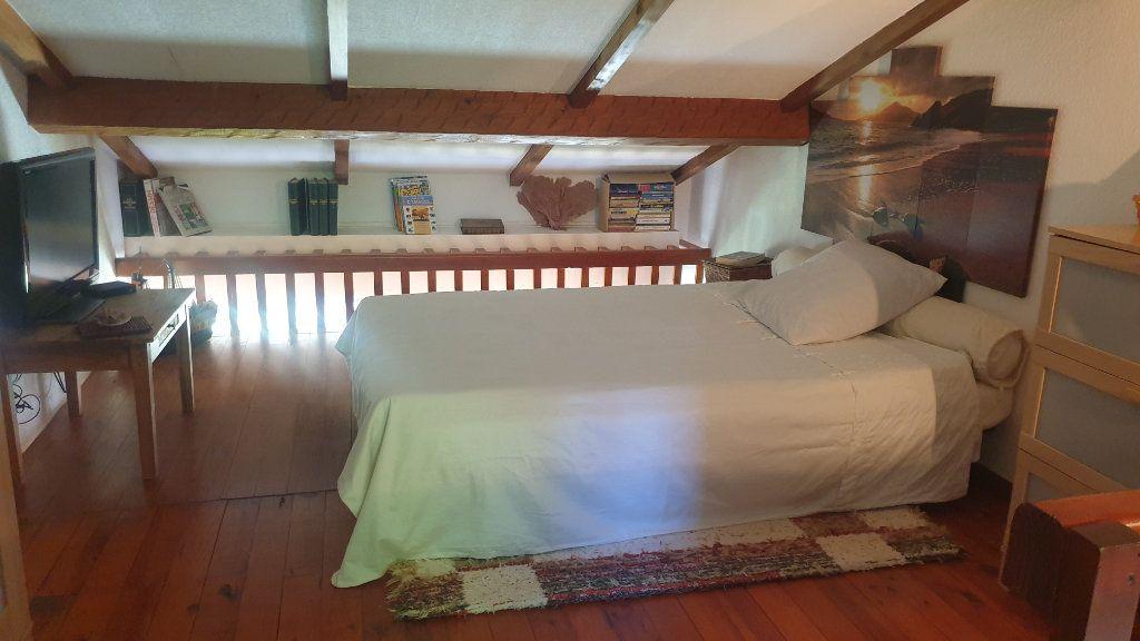 Maison à vendre 3 40m2 à La Seyne-sur-Mer vignette-4