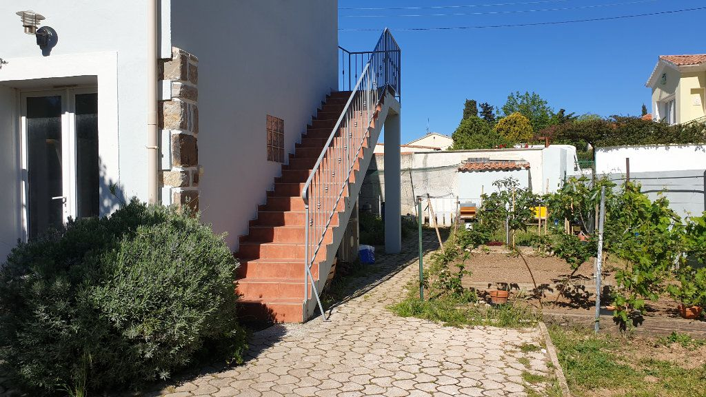 Maison à vendre 5 169m2 à La Seyne-sur-Mer vignette-2
