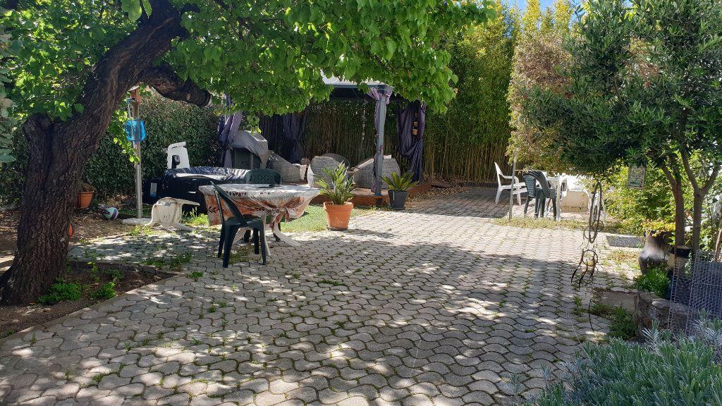 Maison à vendre 5 169m2 à La Seyne-sur-Mer vignette-5
