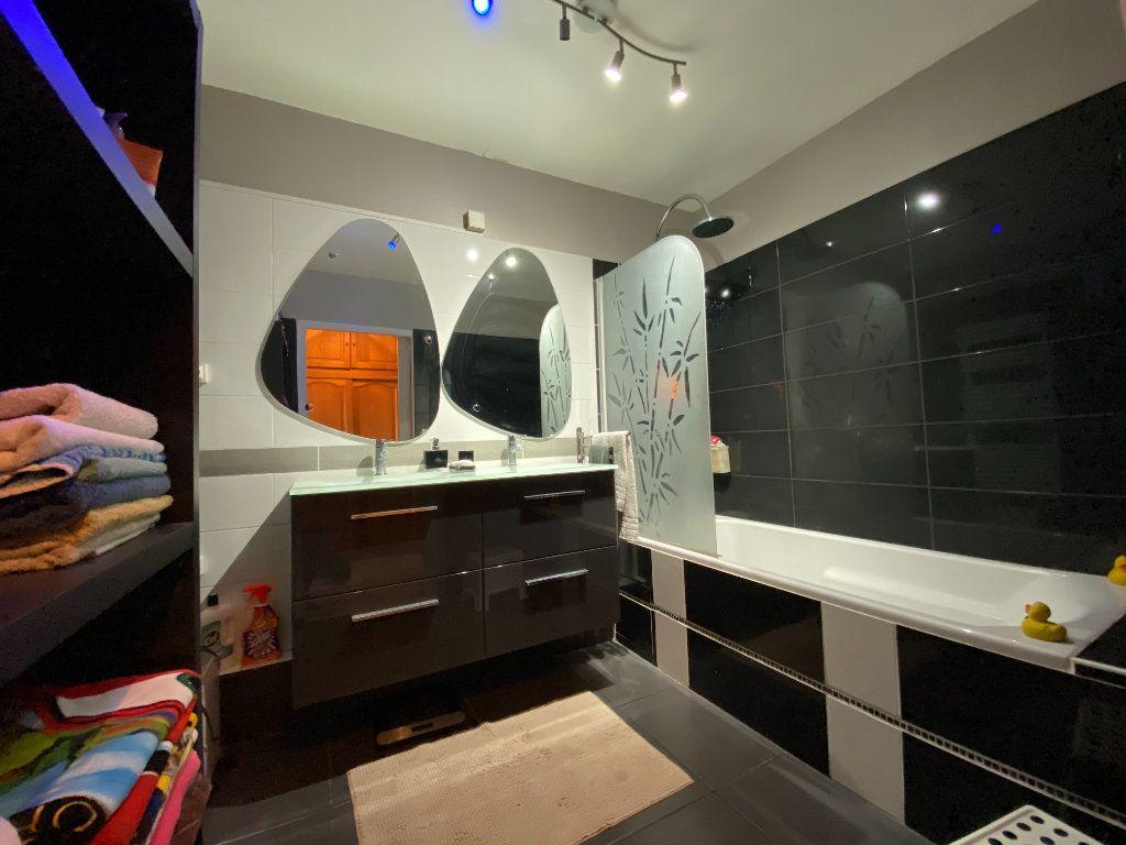 Appartement à vendre 4 83m2 à La Seyne-sur-Mer vignette-4