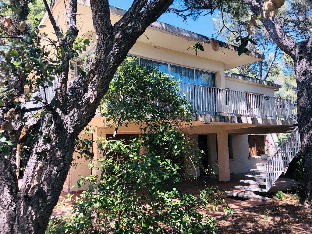 Maison à vendre 7 270m2 à La Seyne-sur-Mer vignette-1