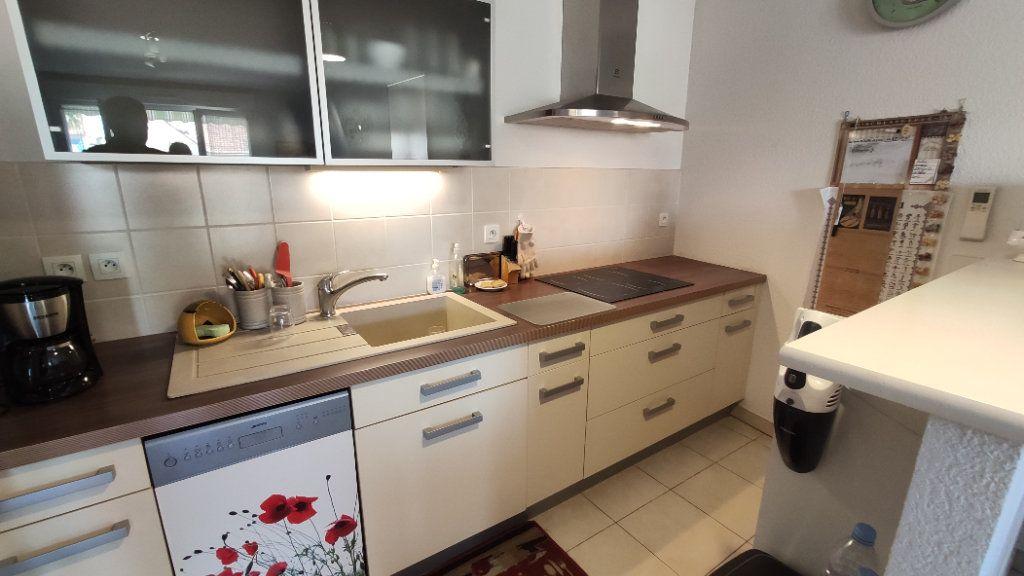 Appartement à vendre 3 61.03m2 à Six-Fours-les-Plages vignette-3