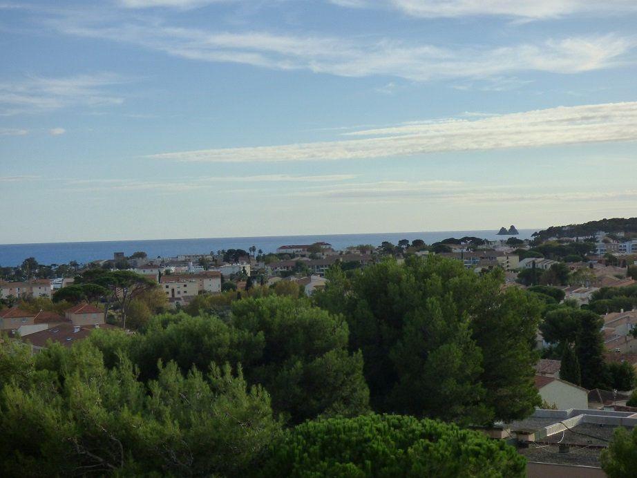 Appartement à vendre 1 38m2 à La Seyne-sur-Mer vignette-2