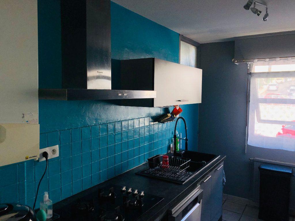 Appartement à vendre 4 80m2 à La Seyne-sur-Mer vignette-4