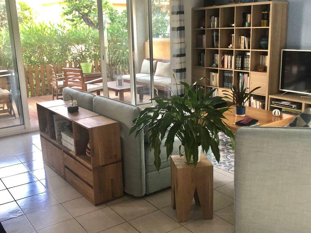 Appartement à vendre 3 74m2 à La Seyne-sur-Mer vignette-2