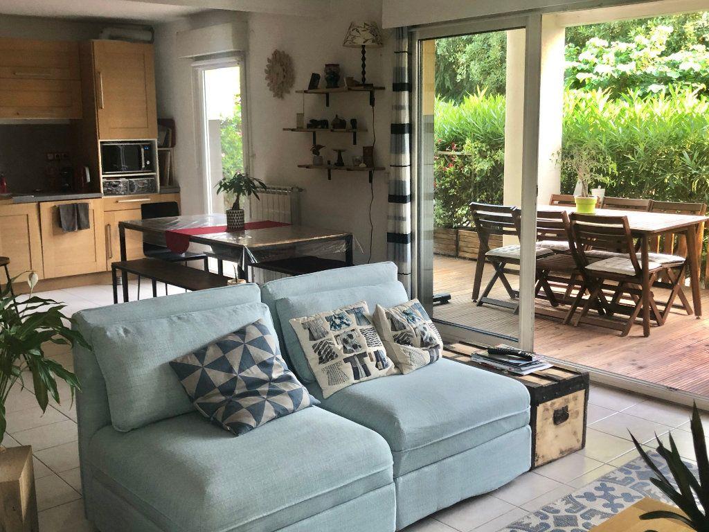 Appartement à vendre 3 74m2 à La Seyne-sur-Mer vignette-6