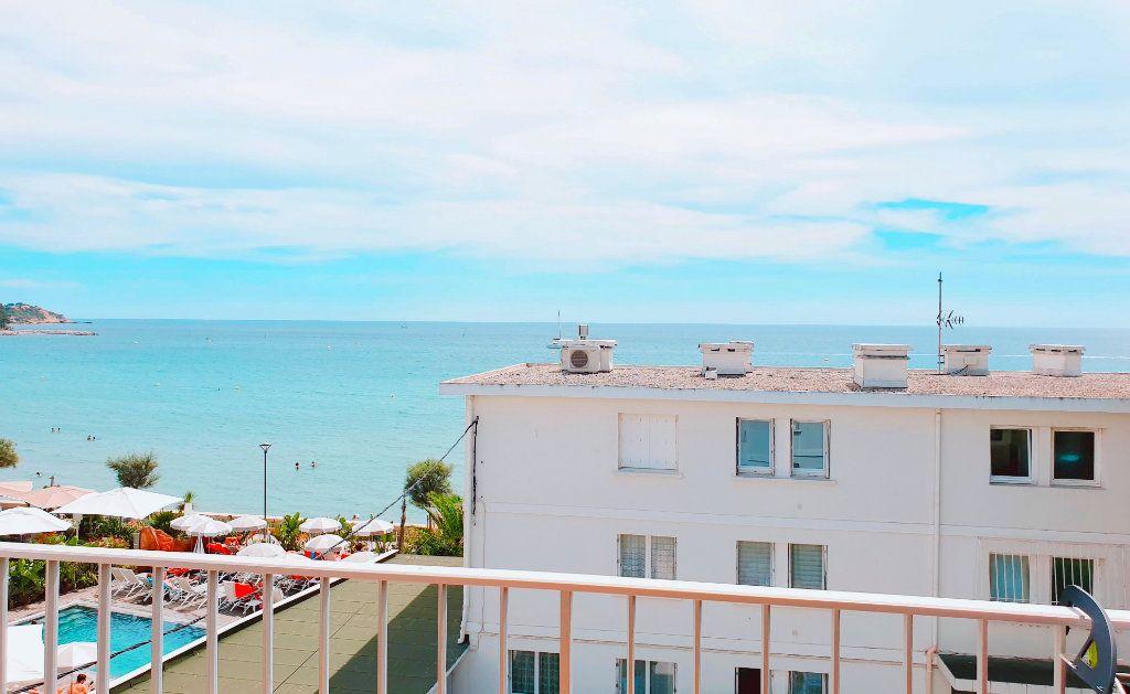 Appartement à vendre 4 66.44m2 à La Seyne-sur-Mer vignette-2