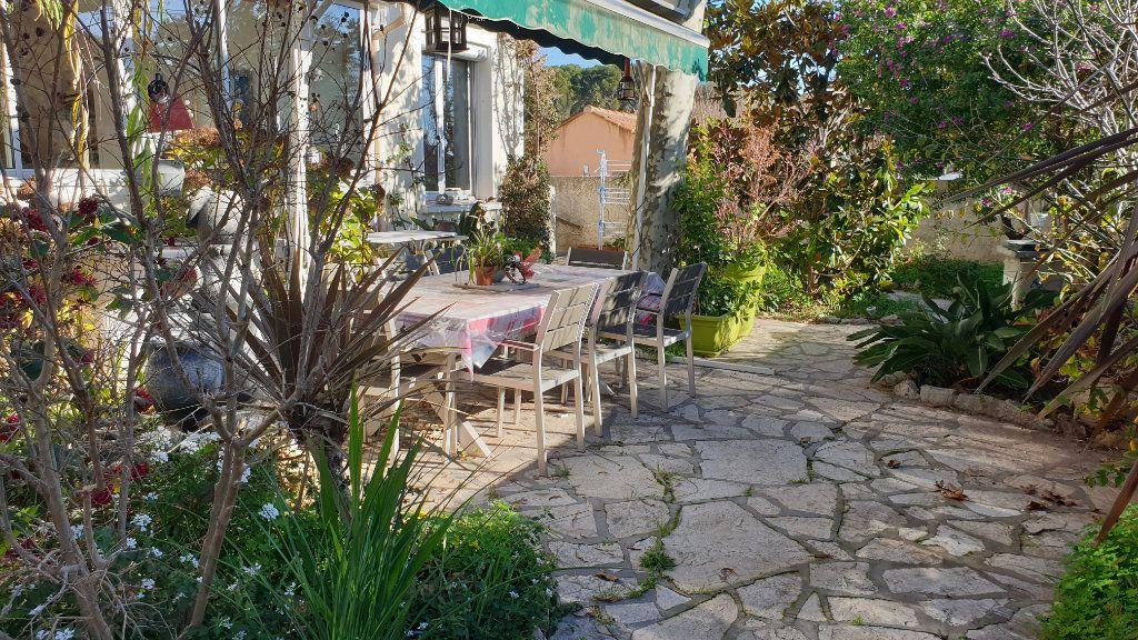 Appartement à vendre 4 147m2 à La Seyne-sur-Mer vignette-6