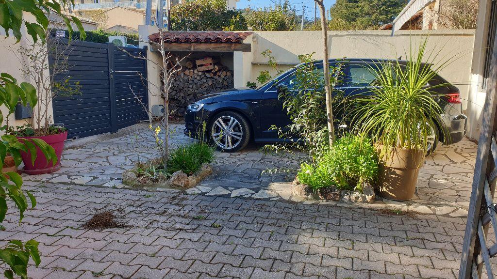 Appartement à vendre 4 147m2 à La Seyne-sur-Mer vignette-7