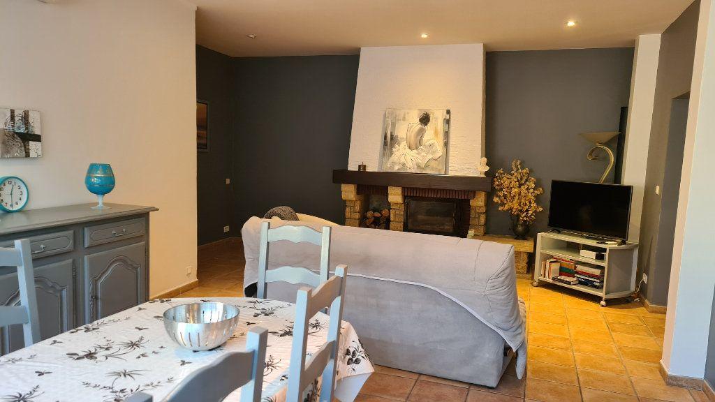 Appartement à vendre 4 147m2 à La Seyne-sur-Mer vignette-8
