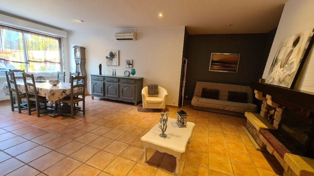 Appartement à vendre 4 147m2 à La Seyne-sur-Mer vignette-10