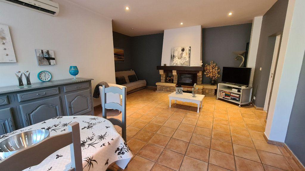 Appartement à vendre 4 147m2 à La Seyne-sur-Mer vignette-11