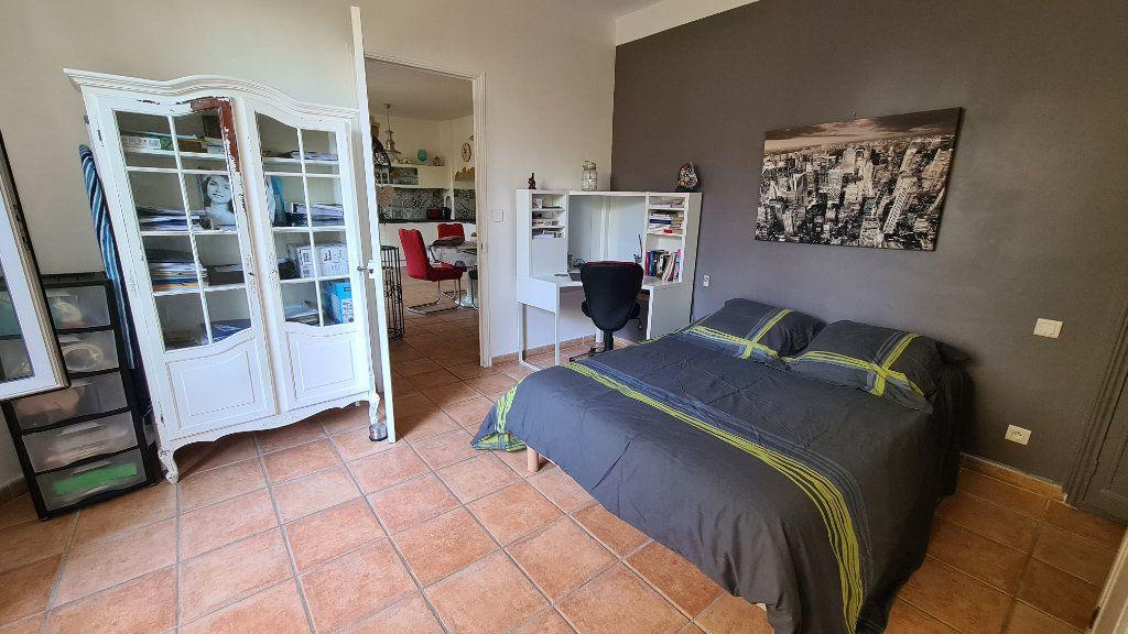 Appartement à vendre 4 147m2 à La Seyne-sur-Mer vignette-17