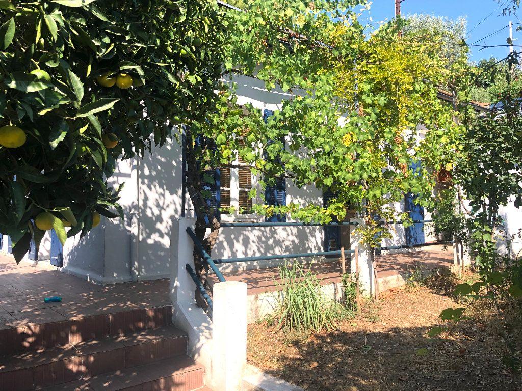 Maison à vendre 3 70m2 à Toulon vignette-1