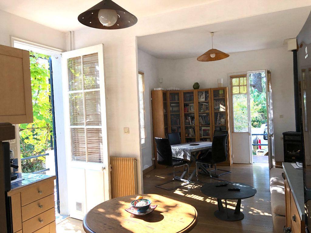 Maison à vendre 3 70m2 à Toulon vignette-2