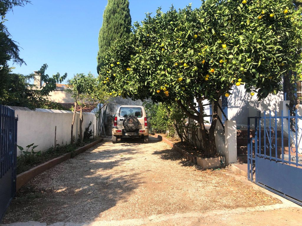 Maison à vendre 3 70m2 à Toulon vignette-4