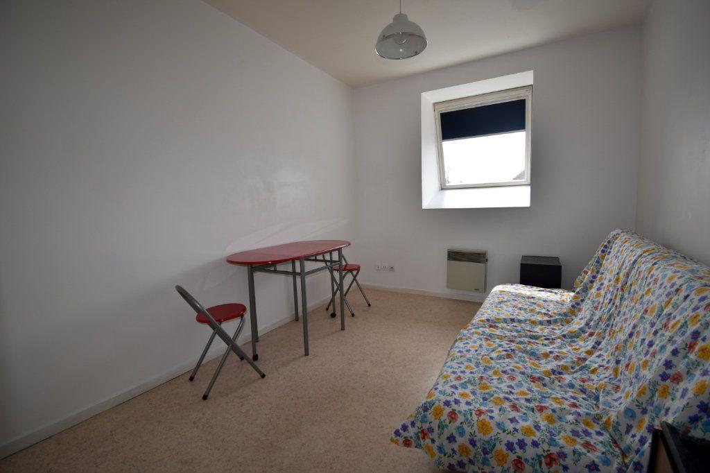Appartement à louer 1 16.43m2 à Calais vignette-2