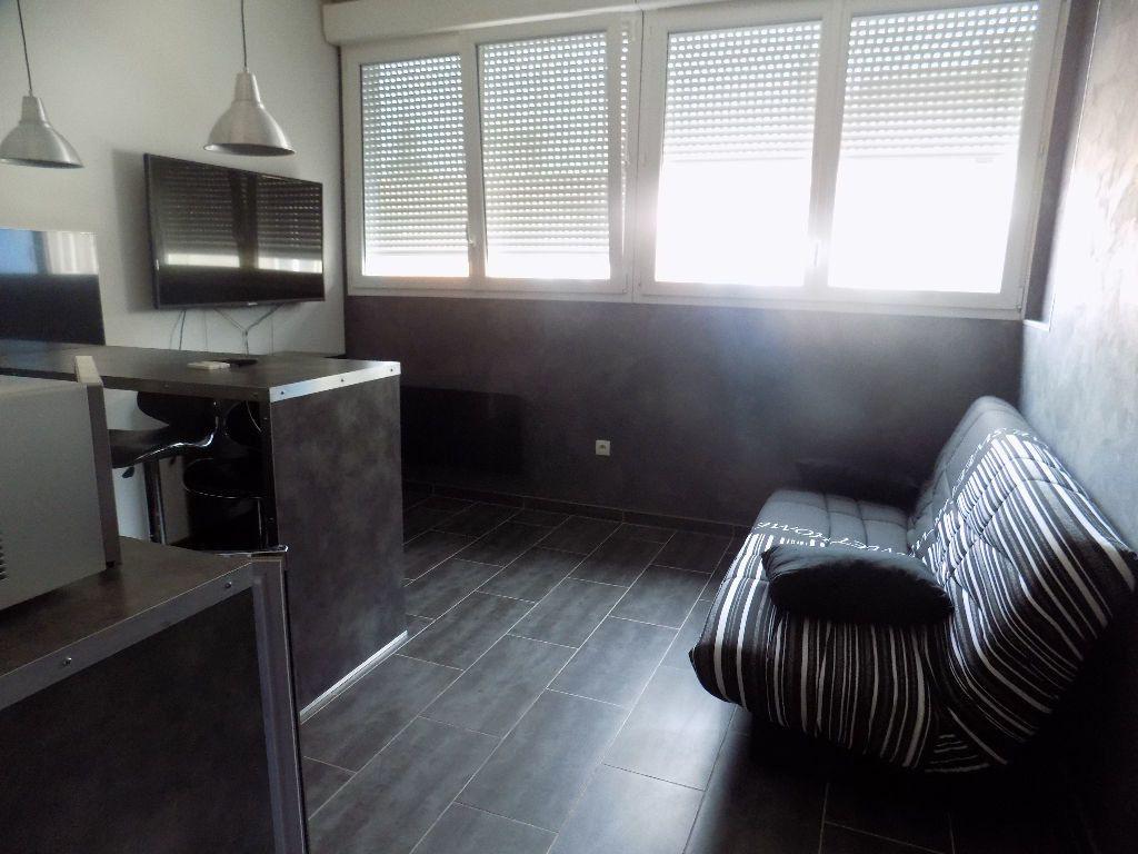 Appartement à louer 1 21.15m2 à Calais vignette-1