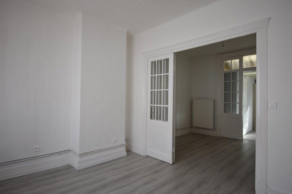 Appartement à louer 2 43.5m2 à Calais vignette-2
