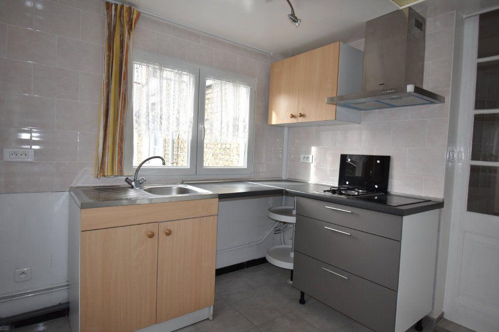 Appartement à louer 2 43.5m2 à Calais vignette-3