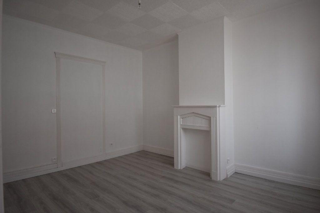 Appartement à louer 2 43.5m2 à Calais vignette-4