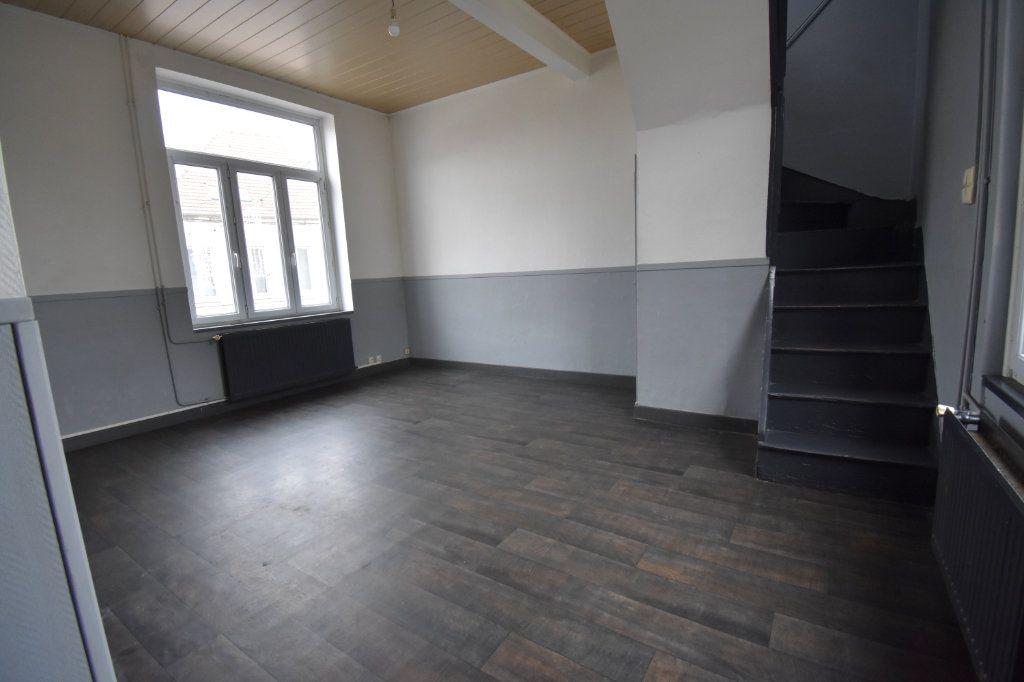 Appartement à louer 3 86m2 à Guînes vignette-2