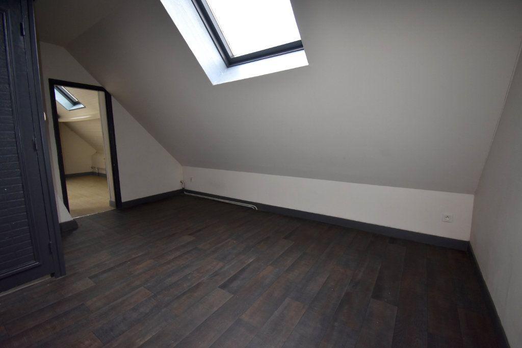 Appartement à louer 3 86m2 à Guînes vignette-3