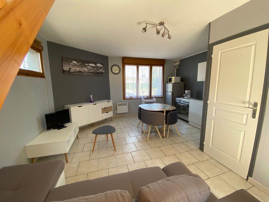 Appartement à louer 1 37m2 à Calais vignette-1