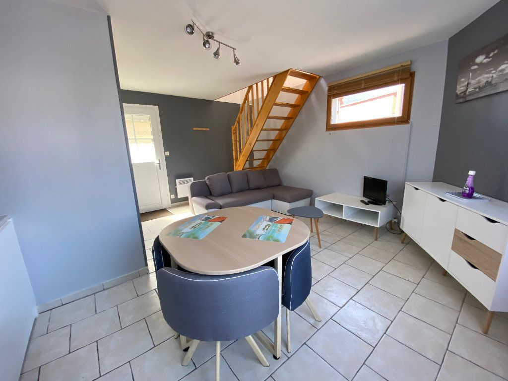 Appartement à louer 1 37m2 à Calais vignette-2