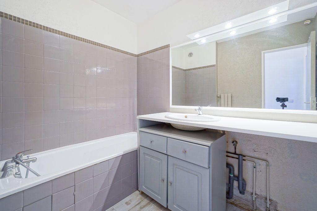 Appartement à louer 2 47.45m2 à Mandelieu-la-Napoule vignette-5